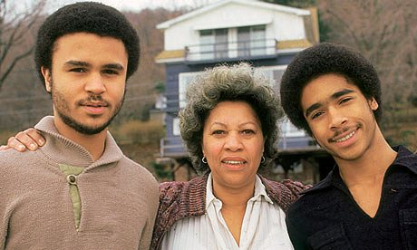 Toni-Morrison-and-sons-006